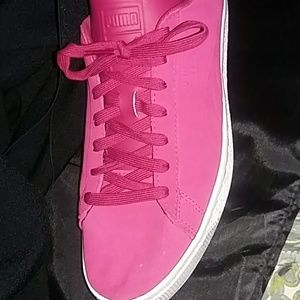 Puma Shoes - Puma Pink men's sz 10 woman's sz 12